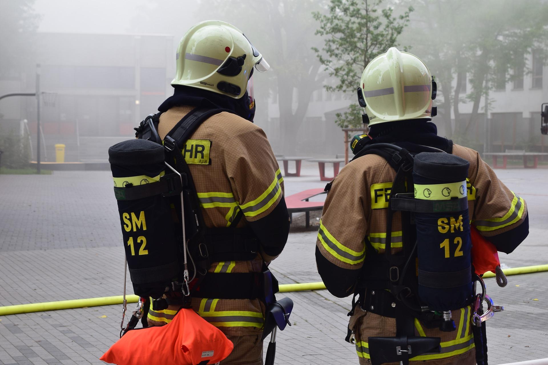 Kinderspielhaus in Brand gesetzt