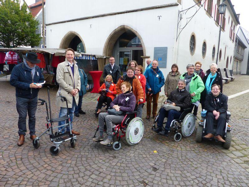 Eindrucksvolle Aktion: AG Inklusion setzt sich für blinde Menschen ein