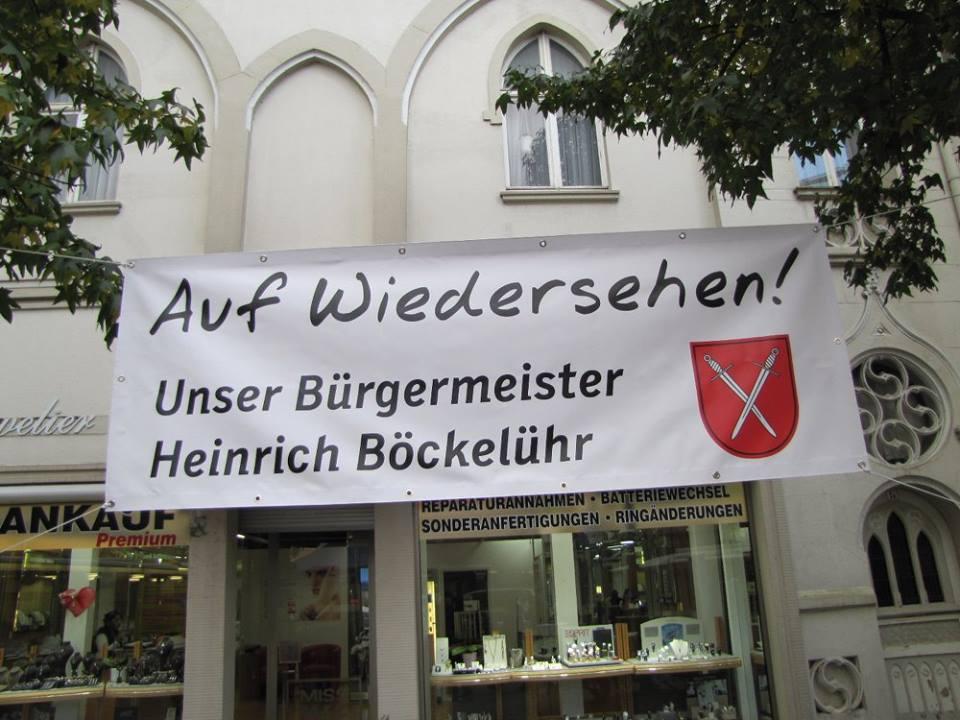 """Bürgermeister sagt """"Auf Wiedersehen!"""""""