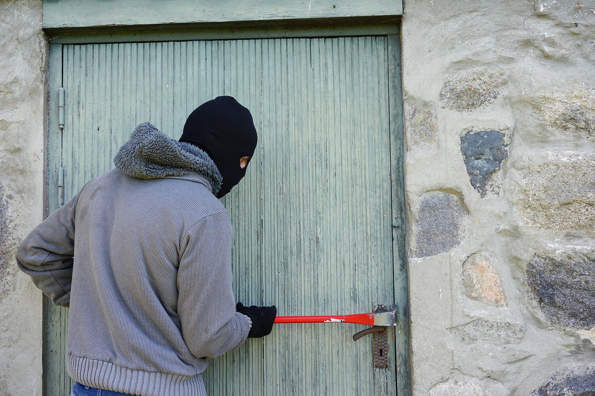 Wohnungseinbruch: Bargeld entwendet