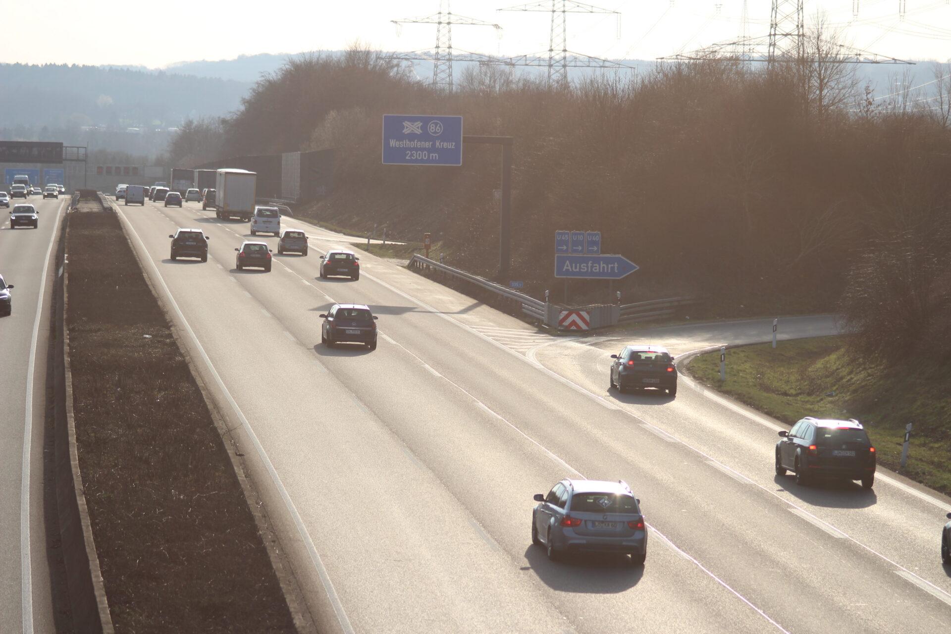 Nächtliche Sperrung im Autobahnkreuz Westhofen