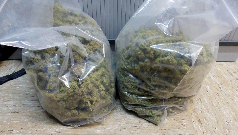 Zwei Kilogramm Drogen und Plantage gefunden: Zwei Schwerter stehen nun vor Gericht
