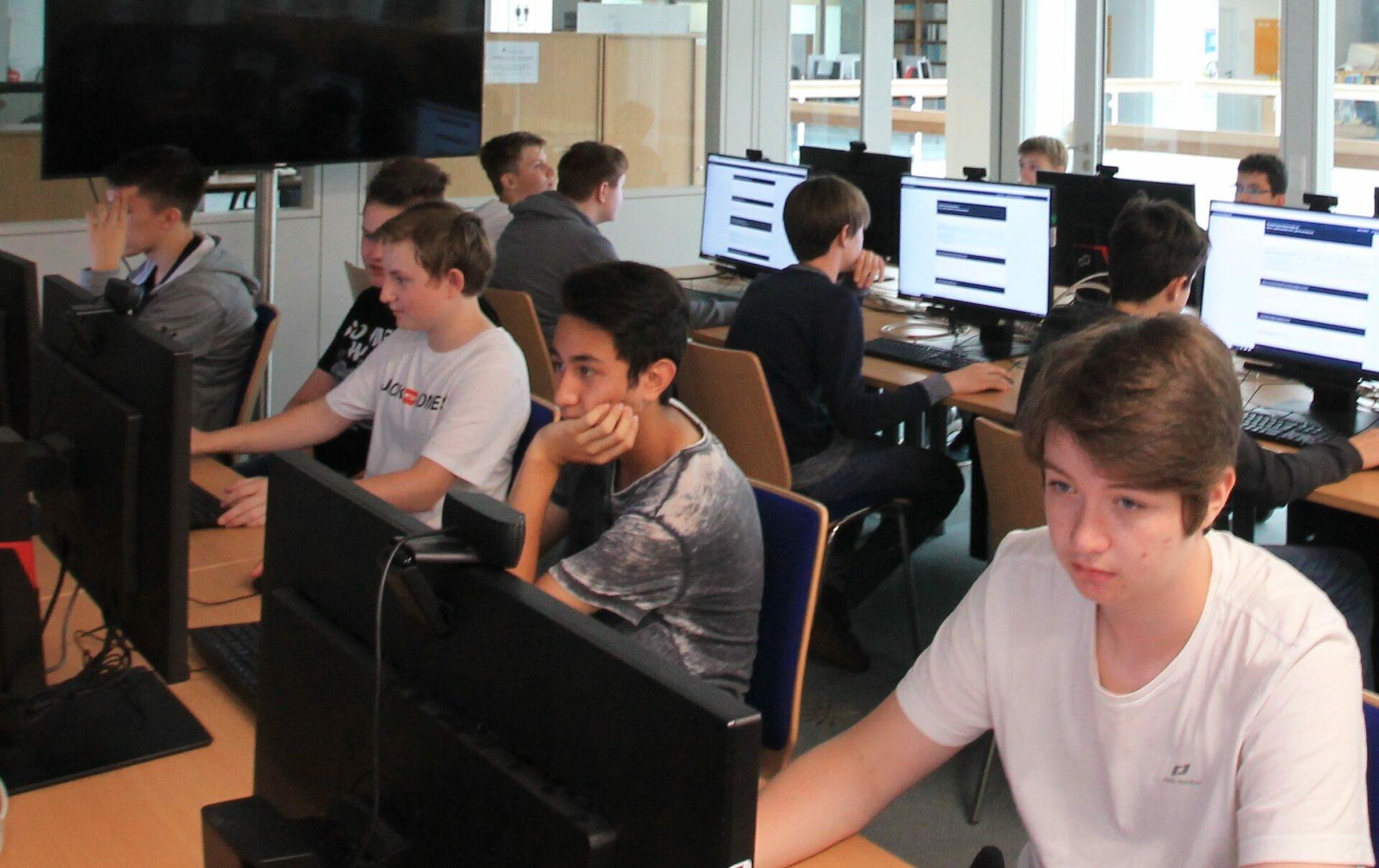 RTG-Schüler besuchten Universität Paderborn