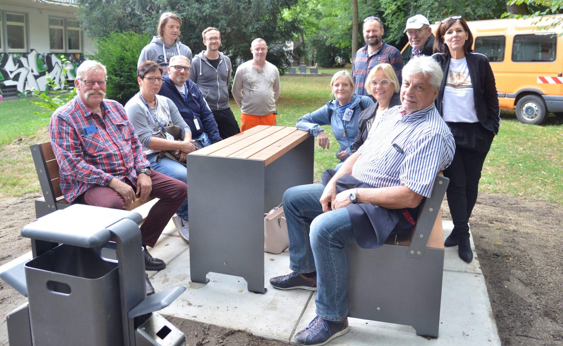 Sitzensembles sorgen für schöneres Ambiente im Stadtpark