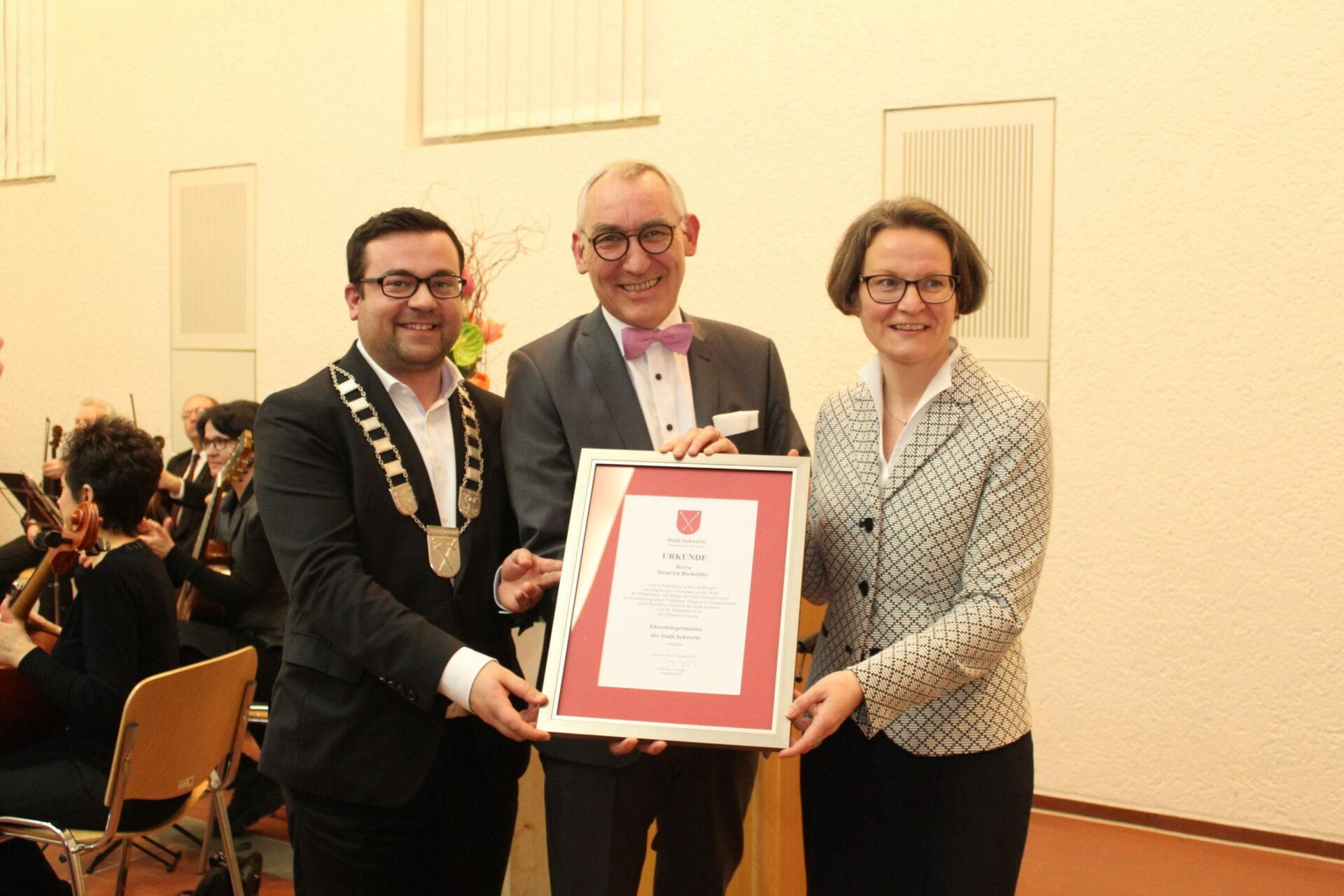 Heinrich Böckelühr erhält Ehrenbürgermeister-Auszeichnung der Stadt Schwerte