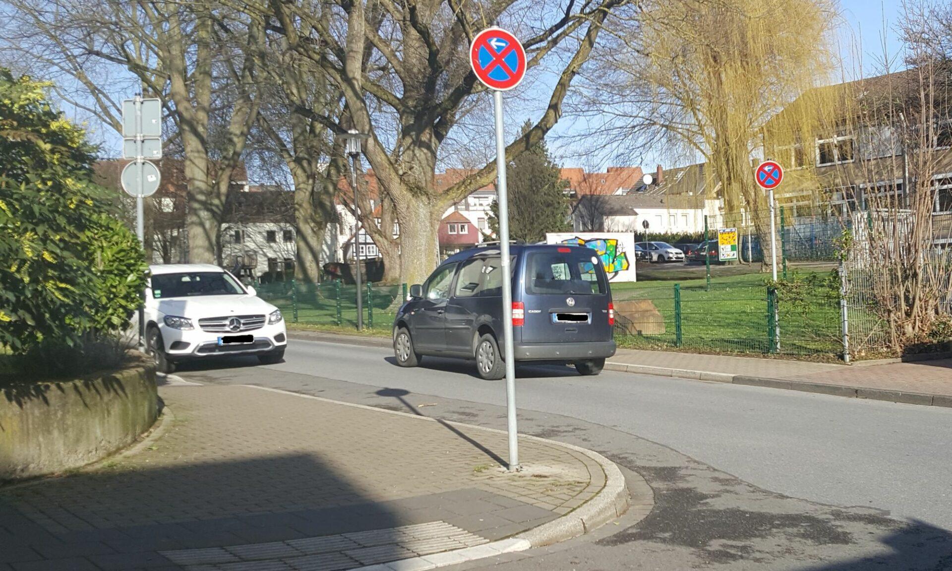Stadt lässt nun auch konsequent in der Ruhrstraße abschleppen