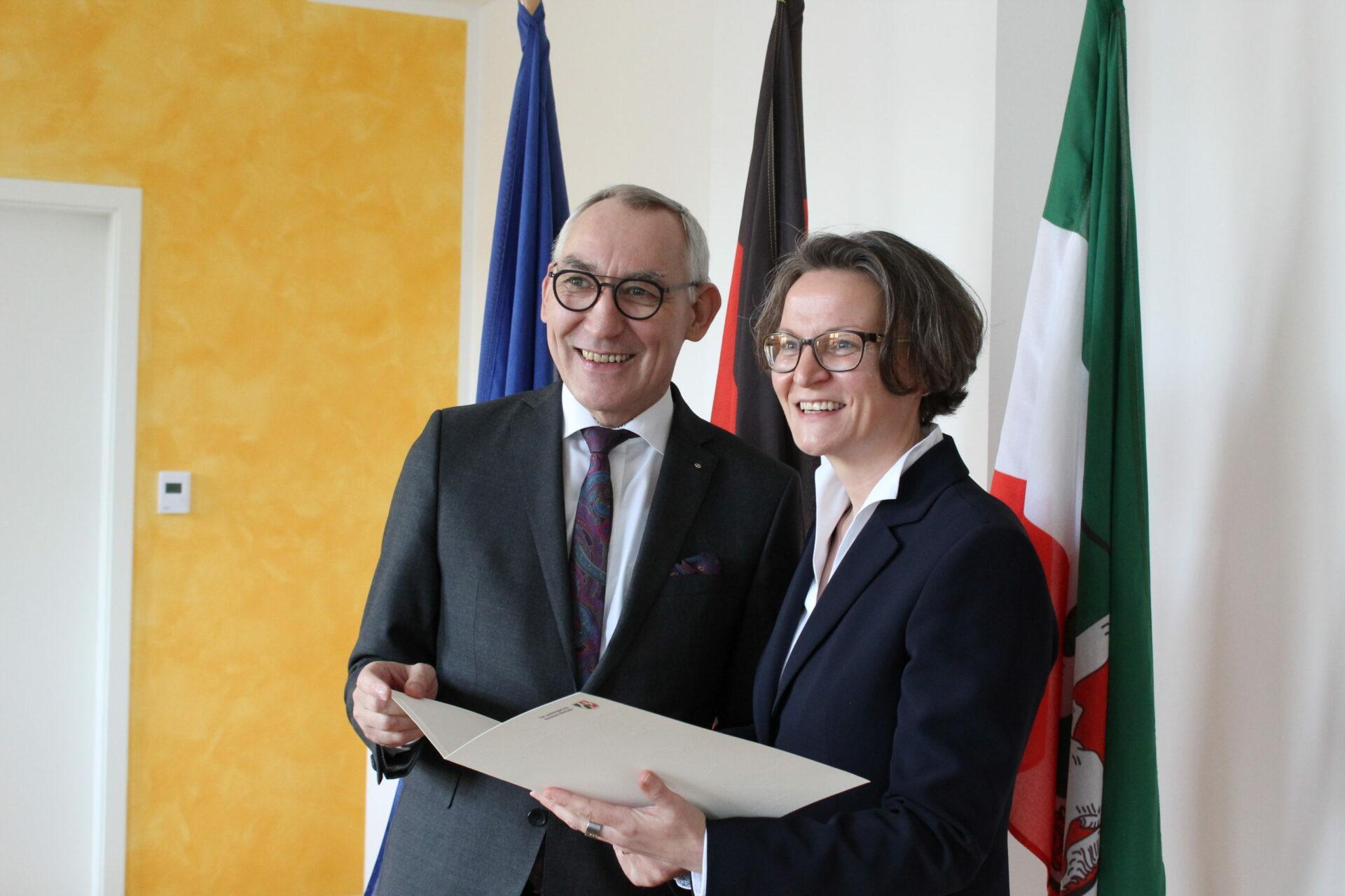 Heinrich Böckelühr feiert silbernes Dienstjubiläum
