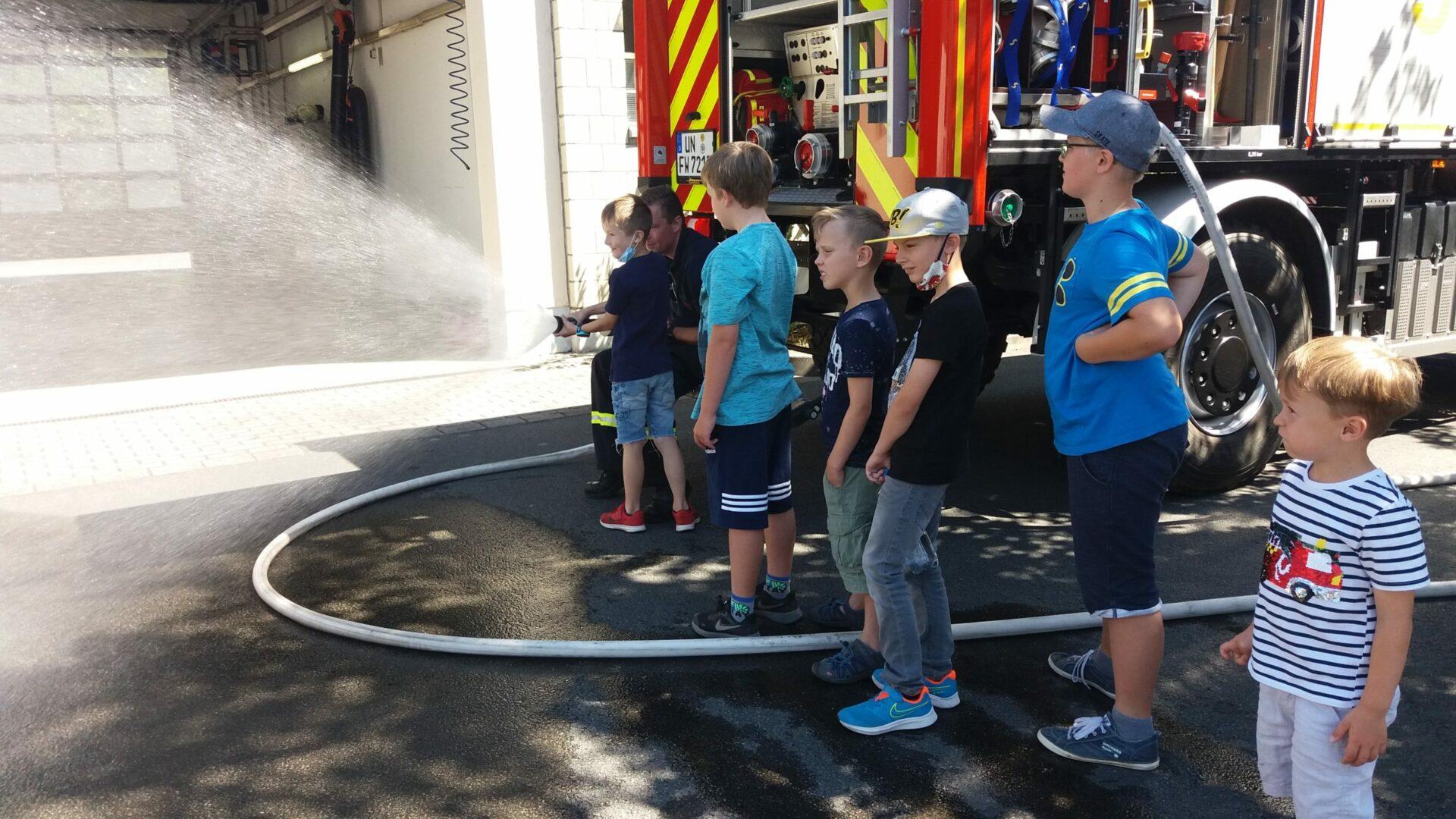 Unvergesslicher Ferienspaß-Tag bei der Feuerwehr