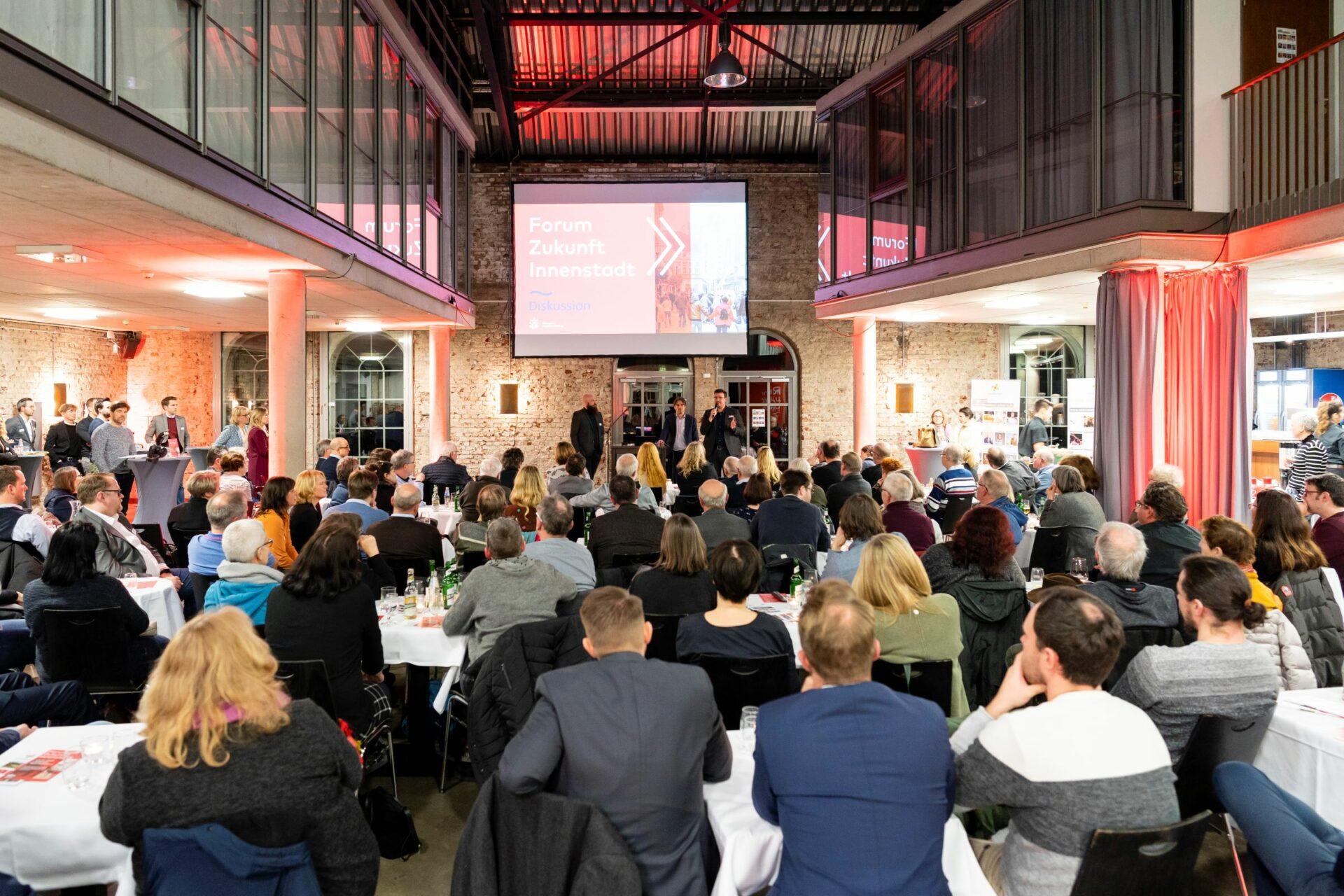 """Schwerte Stadtmarketing veranstaltet das zweite """"Forum Zukunft Innenstadt"""" digital"""