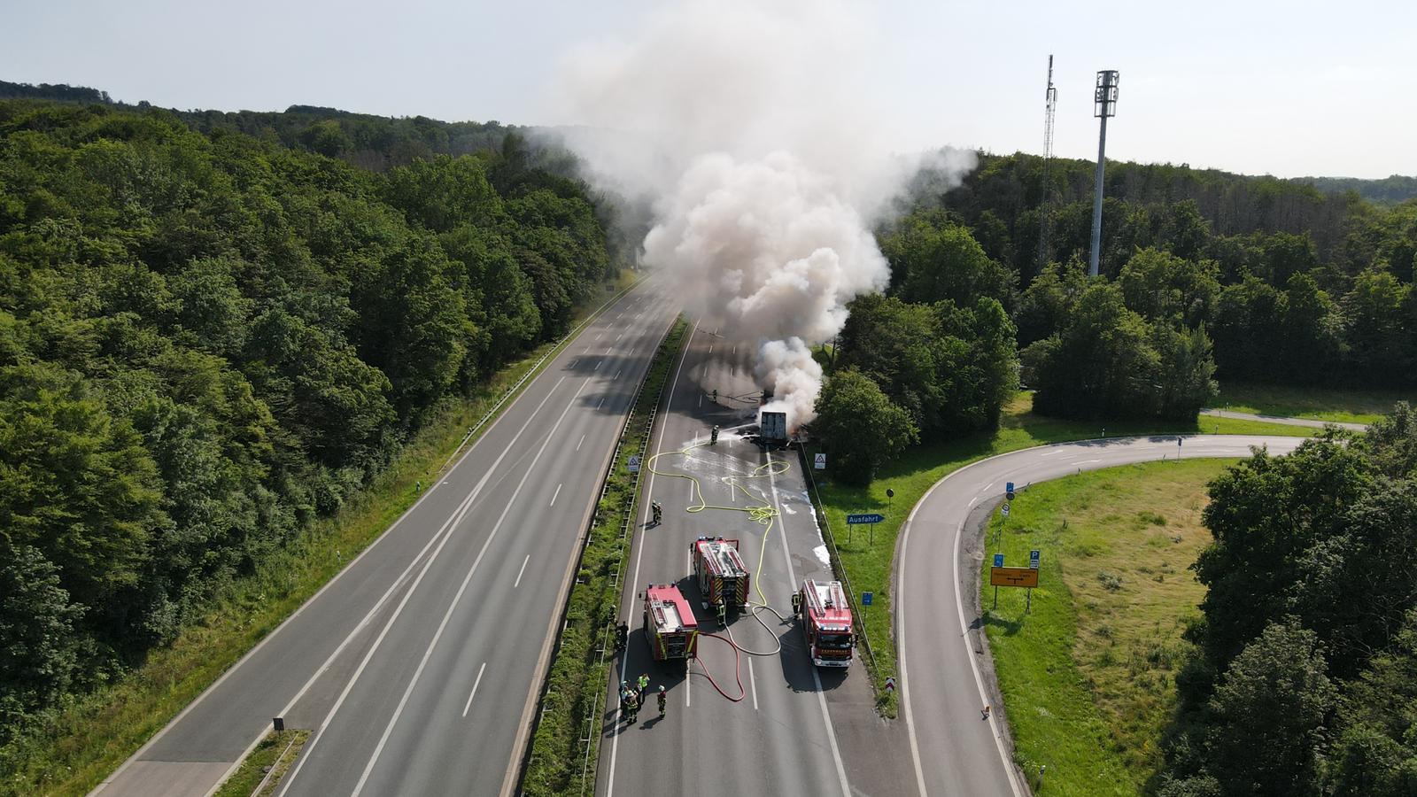 Sattelzug abgebrannt: A45 bei Schwerte über Stunden gesperrt