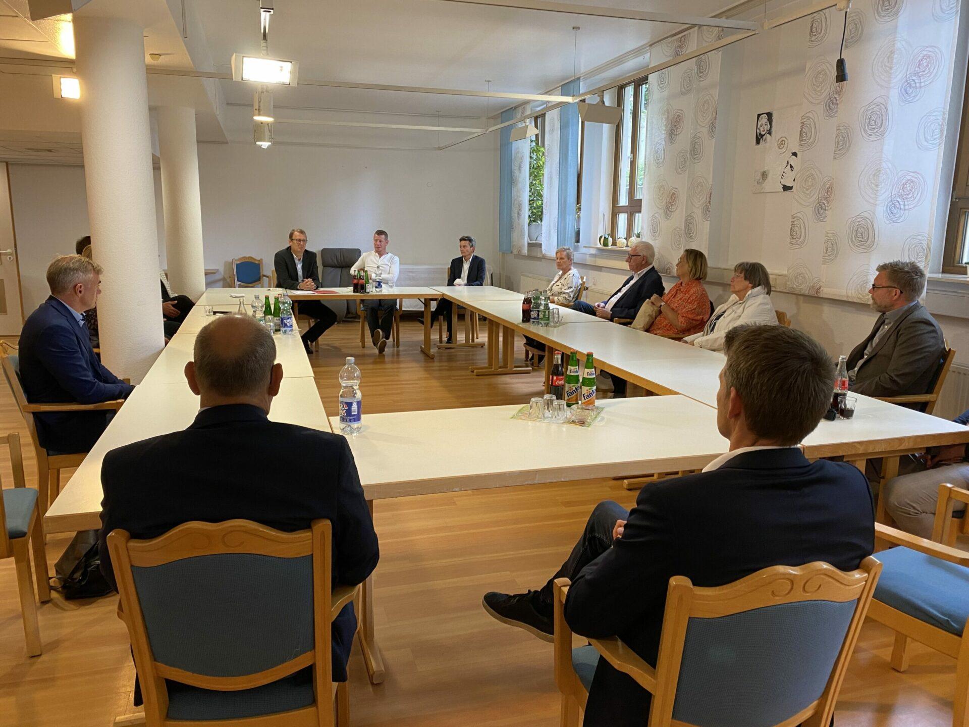 Vorsitzender der SPD-Bundestagsfraktion Rolf Mützenich besuchte Klara-Röhrscheidt-Haus